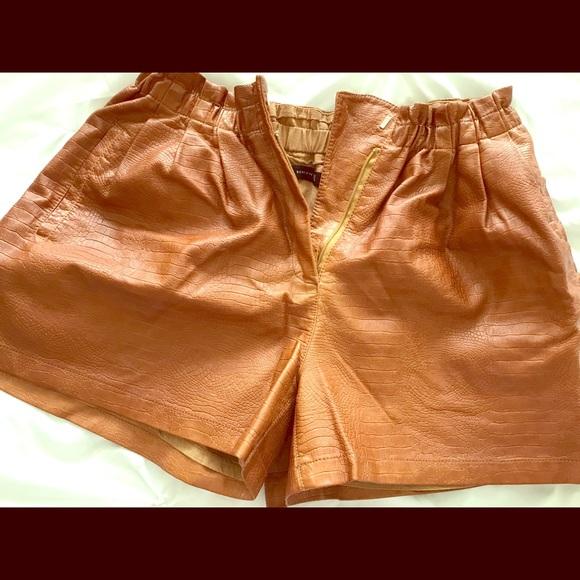 Zara Pants - Brown faux leather shorts